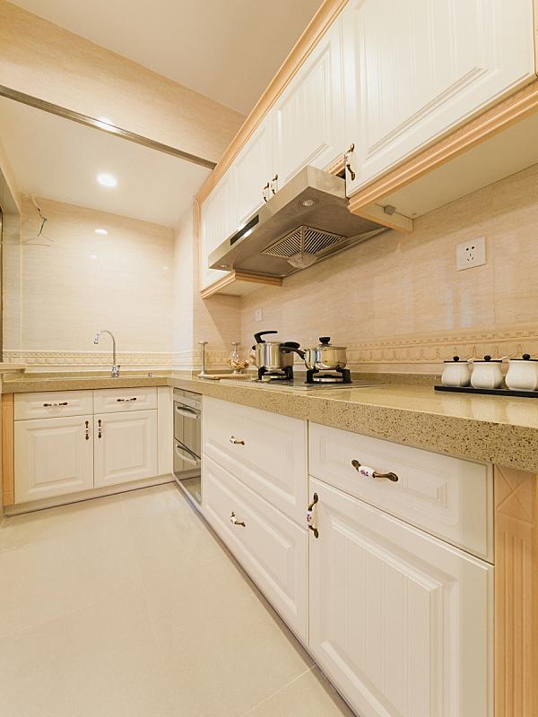 厨房,极简构图,垂直画幅,住宅房间,无人,柜子,装饰物,瓷砖,家具,陶瓷制品