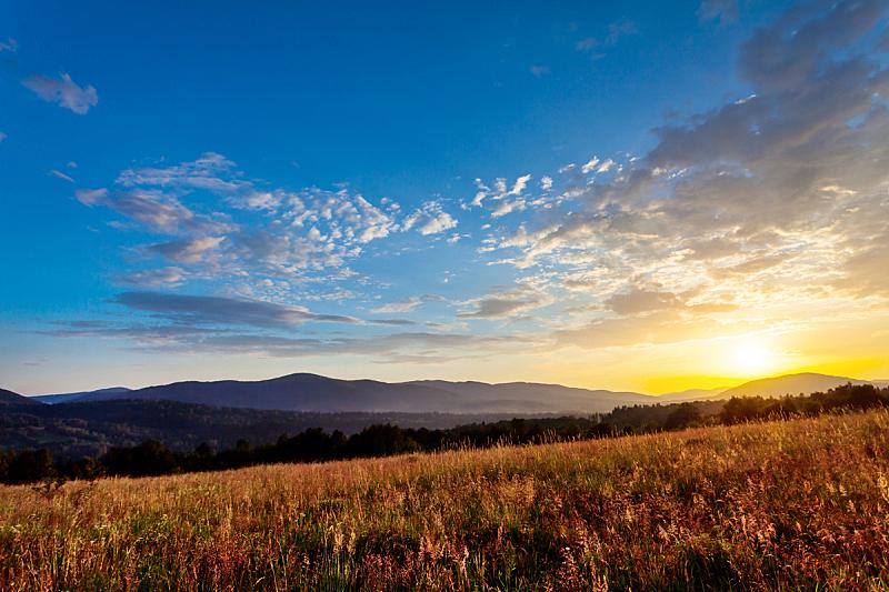 波兰,自然,天空,草地,水平画幅,地形,山,无人,欧洲,日落