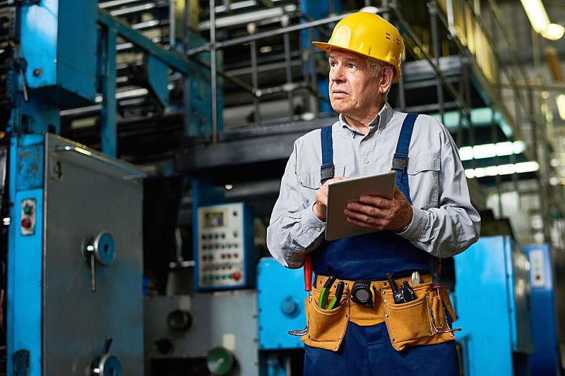 老年人,制造业职位,药丸,古老的,工作年长者,安全帽,仅男人,仅成年人,现代,建筑业