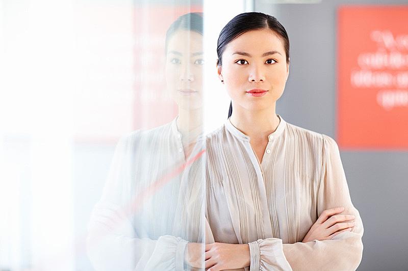 信心,女商人,正面视角,留白,半身像,智慧,图像,经理,仅成年人,青年人