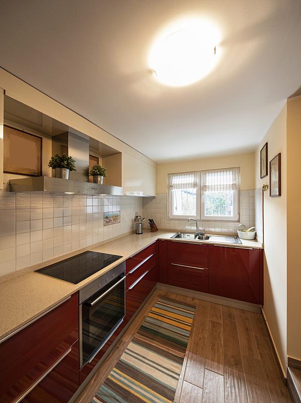 红色,厨房,用具,现代,极简构图,垂直画幅,窗户,留白,住宅房间,建筑