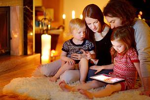 壁炉,幸福,平板电脑,家庭,视频会议,曙暮光,气候与心情,冬天,技术,计算机