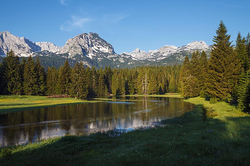 山,地形,水,天空,水平画幅,无人,早晨,夏天,户外,云杉