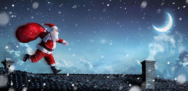 圣诞老人,屋顶,圣诞帽,水平画幅,夜晚,雪,圣诞礼物,仅男人,仅成年人