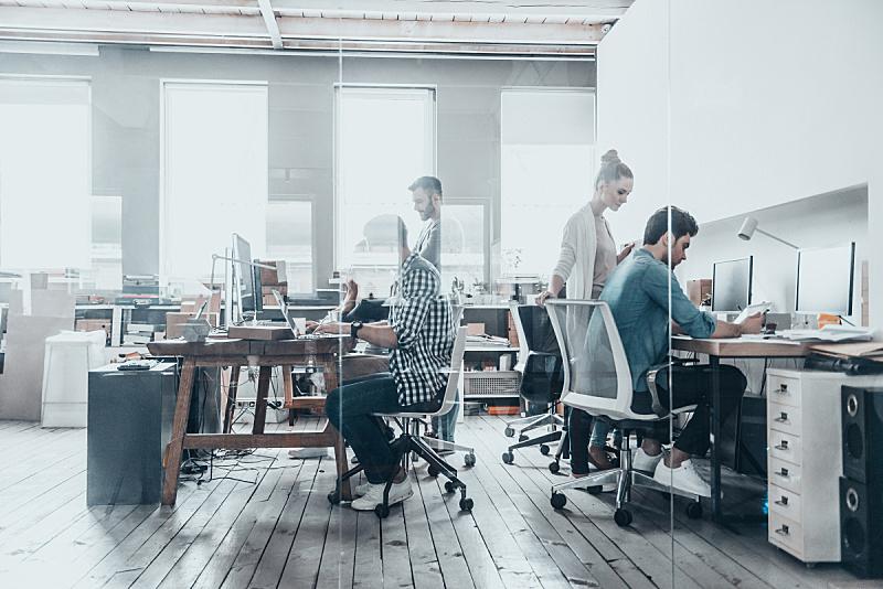 专业人员,设计室,新创企业,创作行业,工作场所,现代,办公室,团队,网上冲浪,公司企业