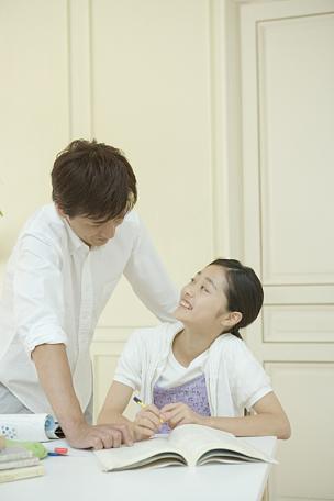 女孩,父亲,垂直画幅,青少年,30到39岁,半身像,独生子女家庭,男性,日本人,单亲父亲
