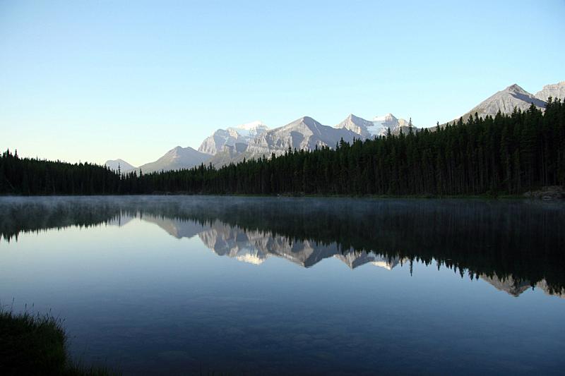 纯净,湖,山,水,洛矶山脉,水平画幅,阿尔伯塔省,无人,户外,山脊