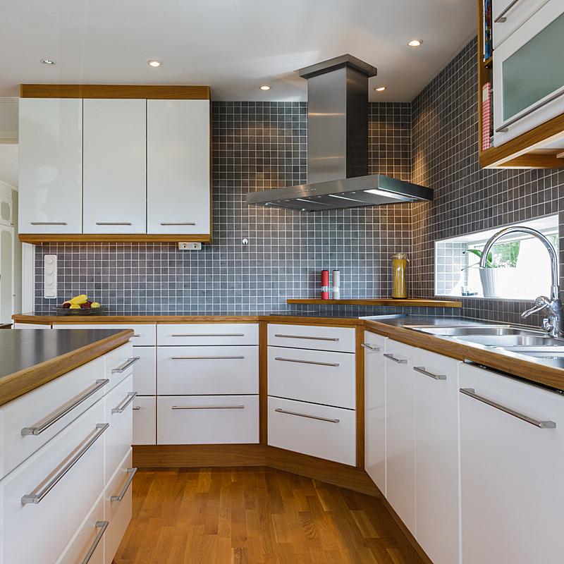 华贵,厨房,抽油烟机,微波炉,新的,无人,硬木地板,家居设施,居住区,现代