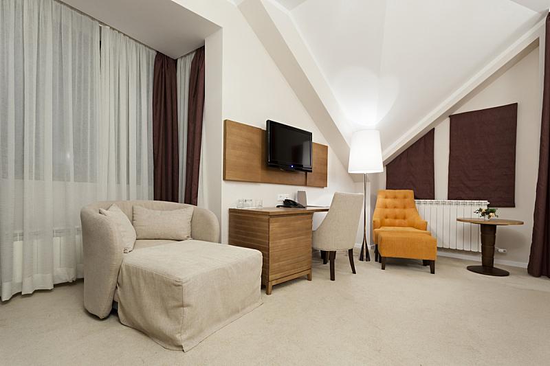 现代,室内,宾馆客房,住宅房间,桌子,水平画幅,橙色,无人,椅子,家具
