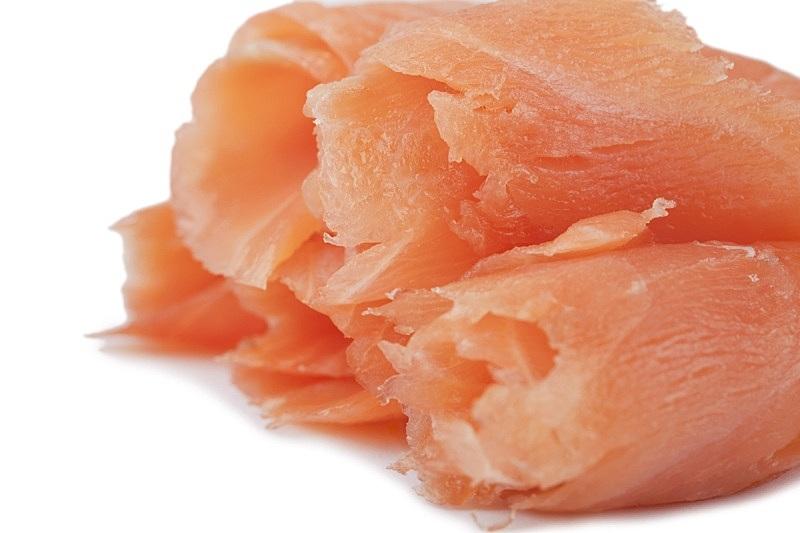 熏三文鱼,切片食物,鱼肝油,餐具,水平画幅,无人,海产,肉,生鱼片,2015年