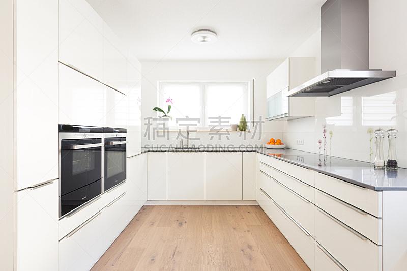 厨房,现代,复合地板,柜子,炊具,胡椒磨,烤炉,洗碗机,硬木地板
