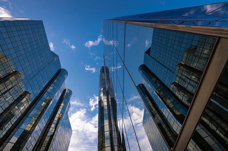 天空,非凡的,蓝色,办公大楼,低的,角度,长滩,正下方视角,机遇,摩天大楼