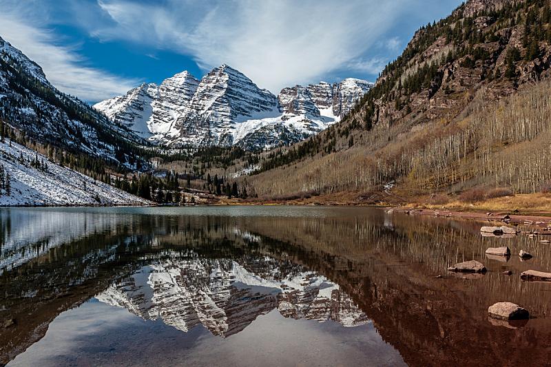秋天,红色,北栗色高峰,褐铃山,默鲁恩湖,玛尔露恩贝尔峰,大角鹿山脉,高山辉,白杨类,粉末状雪
