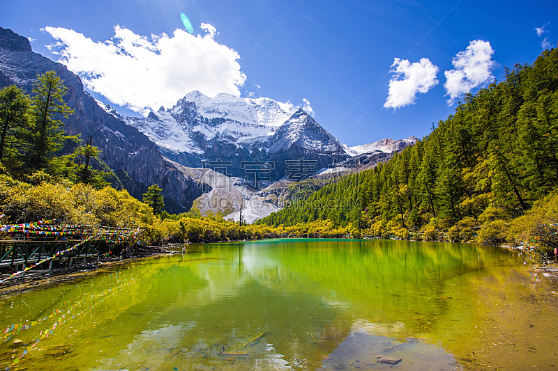 雪,山,水,天空,水平画幅,尖的,夏天,偏远的,户外,湖