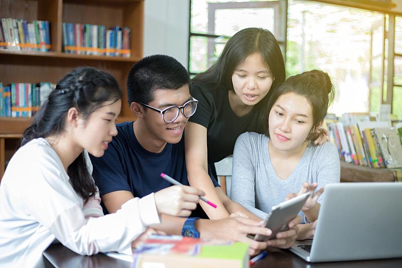 想法,校园,人群,亚洲,草坪,讲师,青少年,知识,青年人,学校