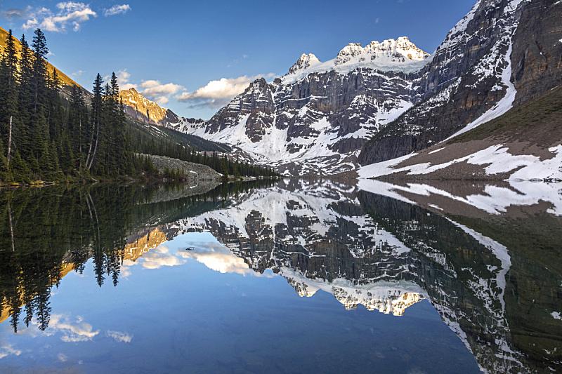 徒步旅行,湖,加拿大落基山脉,露易斯湖,契努克狗,班夫,冰碛,洛矶山脉,天空,水平画幅