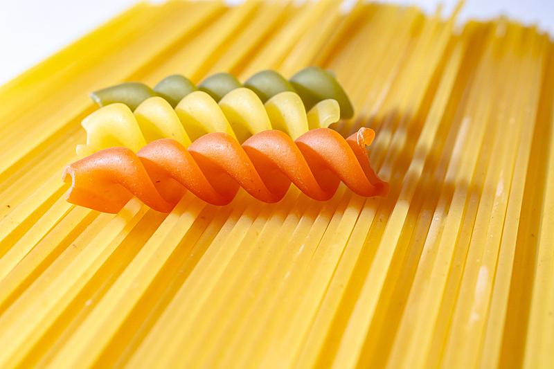 螺线,螺旋面,生食,意大利面,传统,清新,碳水化合物,食品,罗马尼亚,酱汁