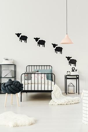 卧室,室内,白色,安全护栏,垂直画幅,边框,无人,桃,标签,家具