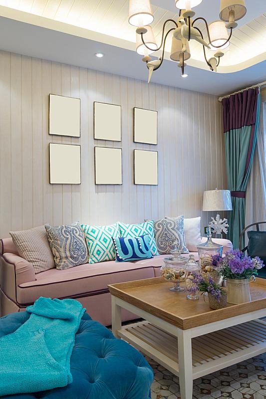 起居室,垂直画幅,住宅房间,式样,座位,无人,装饰物,灯,家具,现代