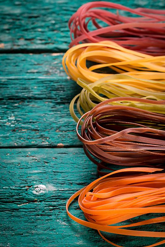 乡村风格,木制,意大利面,多样,背景,蝴蝶结通心粉,意大利干面条,尖管通心粉,垂直画幅,钩针编织品