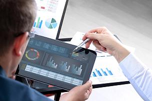 图表,财务数据,商务,金融顾问,经济,显示器,数字化显示,正式商务服装,研究会,平板电脑