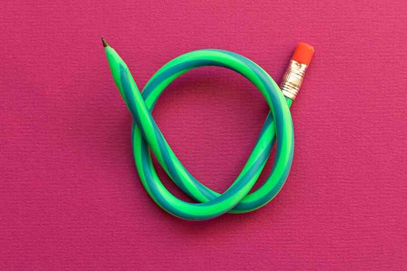 弹性,铅笔,分离着色,紫色背景,空的,一个物体,橡皮擦,塑胶,模板,涂料