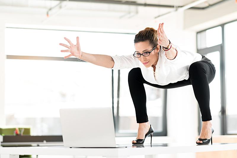 职业,女性,快乐,体操,自由体操,平衡木,姿态,女商人,留白,奇异的