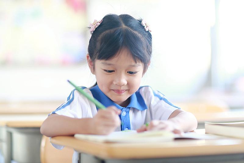 女生,仅一个女孩,小学,铅笔,东亚人,仅儿童,中国,儿童,童年,中国人