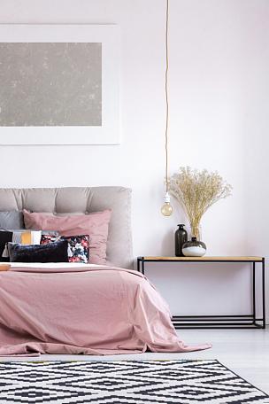 灯,卧室,铜,彩色蜡笔,垂直画幅,棉被,银色,家具,金属,明亮