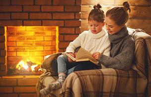 夜晚,冬天,书,儿童,女儿,壁炉,母亲,幸福,家庭,读书