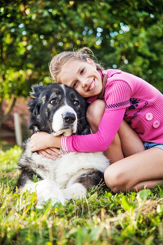 狗,进行中,女孩,萨摩耶犬,垂直画幅,美,美人,白人,哺乳纲,友谊