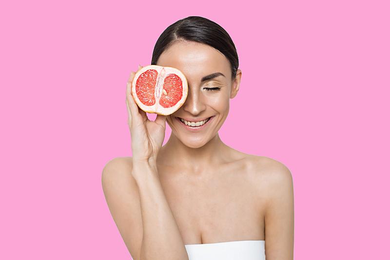 女人,葡萄柚,留白,半身像,健康,仅成年人,头发向后梳,青年人,维生素c