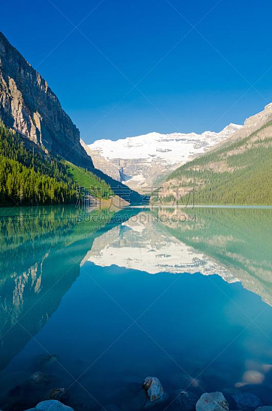 加拿大落基山脉,露易斯湖,垂直画幅,洛矶山脉,雪,阿尔伯塔省,无人,户外,湖,北美