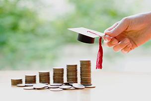 女人,借,债务,大学,学位帽,贷款,储蓄,慈善捐赠,金融,鸭舌帽