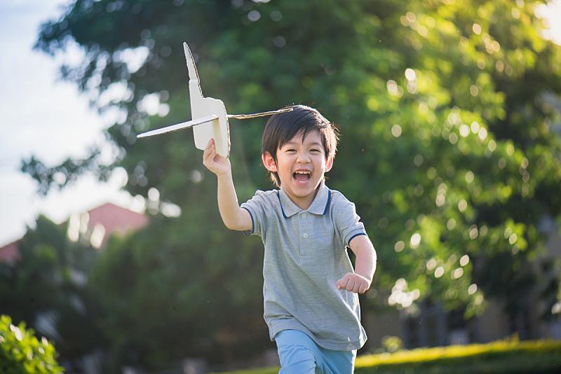 飞机,儿童,亚洲,纸板,进行中,飞行员,天空,水平画幅,夏天,户外