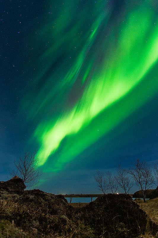 垂直画幅,极光,水,天空,星星,夜晚,无人,北极光,户外,湖