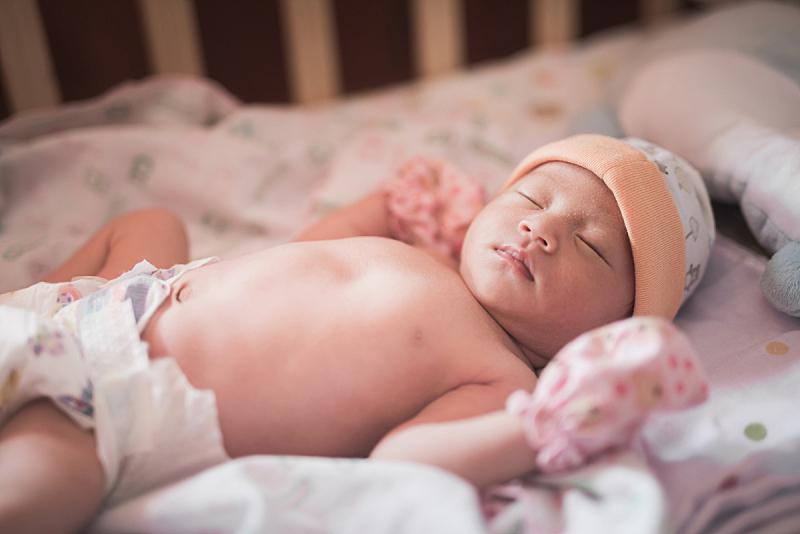 床,婴儿,肖像,亚洲,美,水平画幅,纯净,干净,白人,仅婴儿