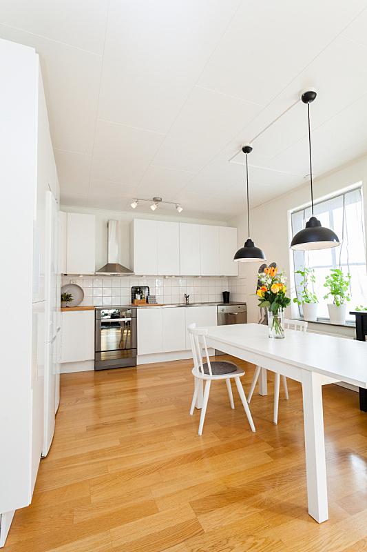 室内,厨房,垂直画幅,无人,椅子,家庭生活,灯,家具,明亮,现代