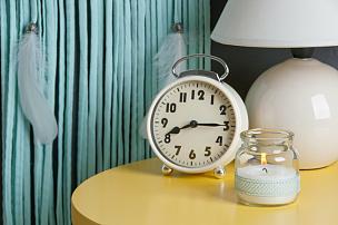 卧室,灰色,装饰物,个人随身用品,美,留白,水平画幅,装饰艺术,灯,床头柜
