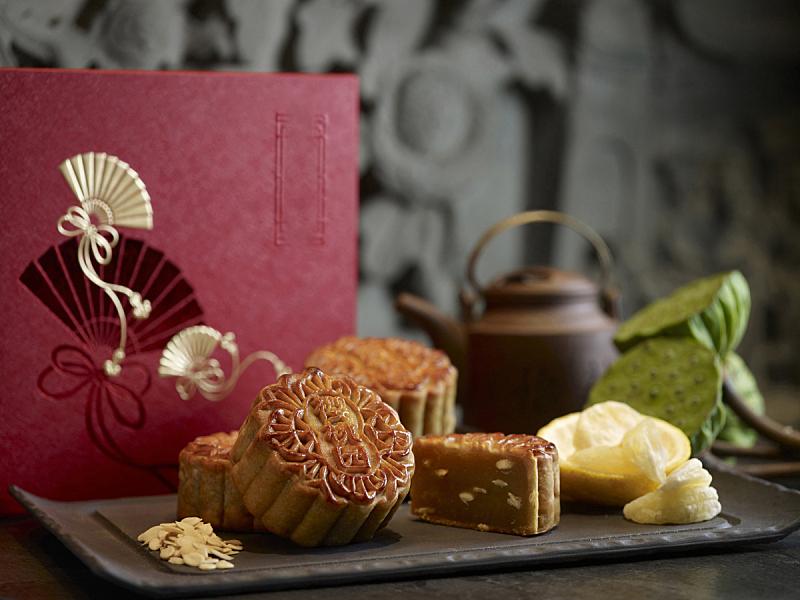向日葵籽,东方人,莲藕,涂油烤肉,银色,日本柑橘,月饼,复兴时期风格,蛋黄,餐具
