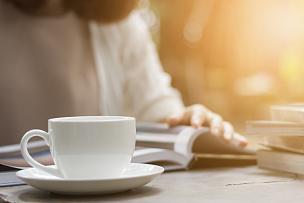 园林,咖啡,女人,书,热,杯,中间部分,茶碟,肖像,泰国