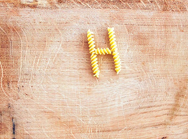 螺旋面,木制,意大利面,案板,信函,餐具,褐色,水平画幅,形状,开胃品