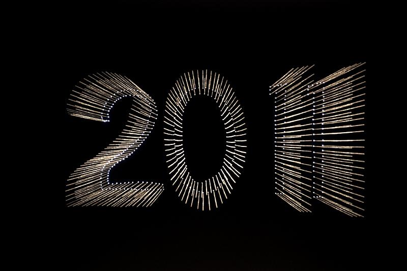 新年前夕,2011,数字,光亮,节日,黑色,成一排,运动模糊,发光,庆祝