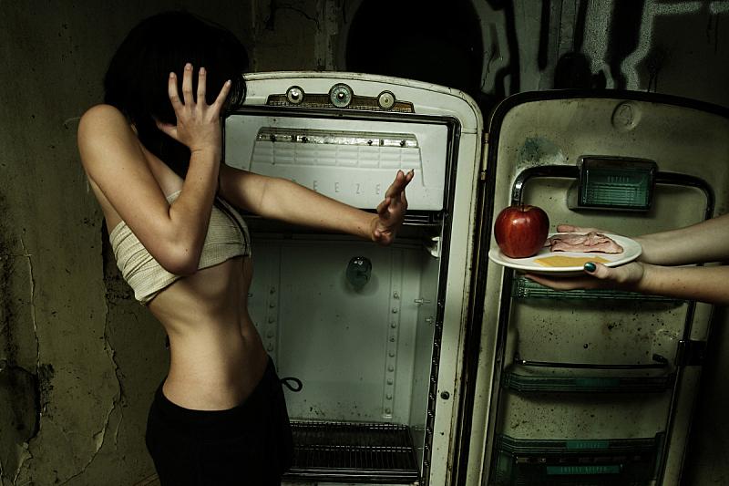 食品,少女,厨房,进食障碍,瘦弱,冰箱,青少年,半身像,水平画幅,古老的