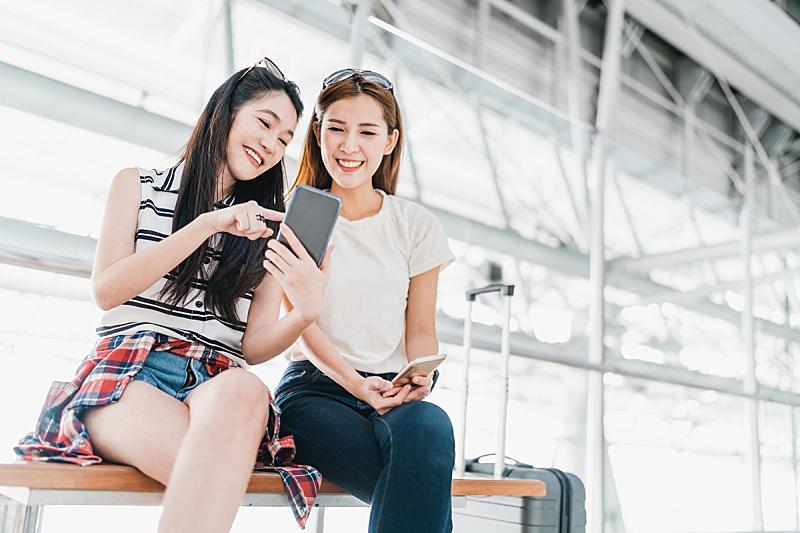 机场,幸福,行李,两个人,女孩,手机,技术,概念,飞机,检查