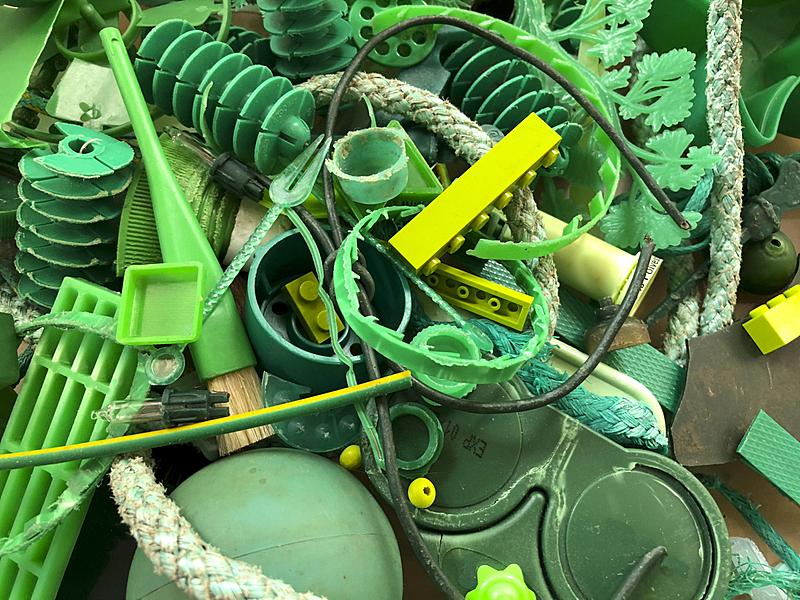 塑胶,绿色,彩色图片,有序,部分,瓶盖,隐形眼镜盒,多样,环境,玩具
