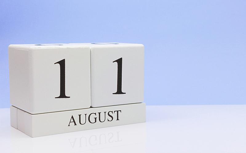 月,夏天,白色,桌子,无人,日历,八月,数字11,圣马洛