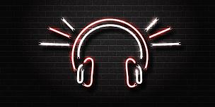 聚会的音乐主持人,霓虹灯,音乐,流行音乐会,耳麦,分离着色,矢量,背景,概念,动物