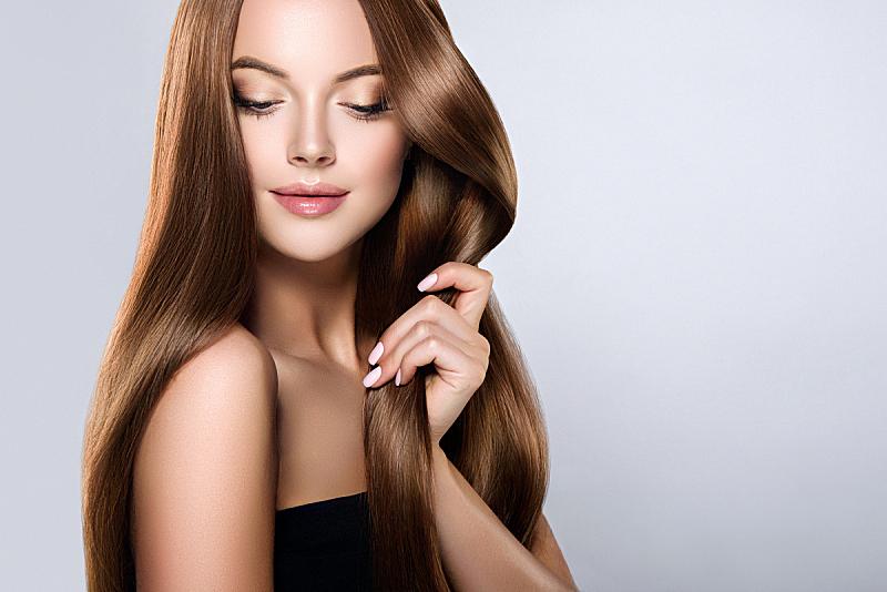头发,直发,青年人,理毛行为,爱的,自然美,时装模特,井,棕色头发,触摸