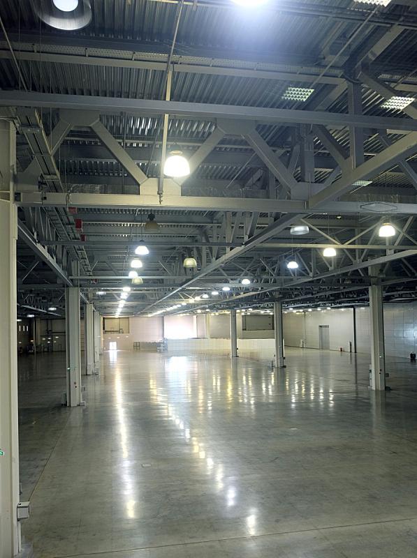 天花板,仓库,巨大的,空的,照明设备,工业建筑,室内,高大的,人造的,垂直画幅